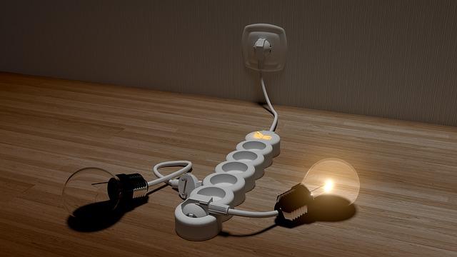 zásuvka, prodlužovačka, žárovka