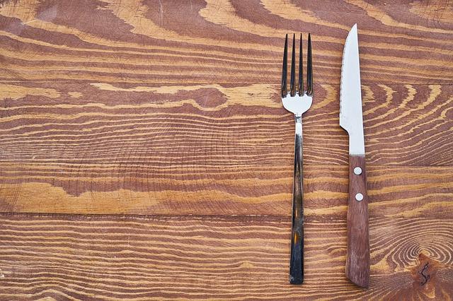 vidlička a nůž